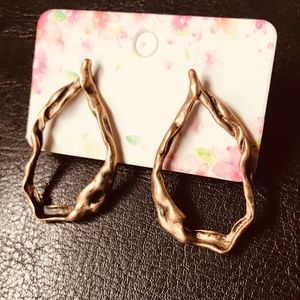 Jewelry - Organic design aged copper twisted branch earrings